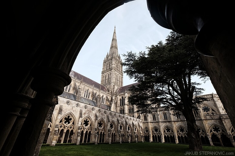 This features a Gothic cathedral from 1258, also with a historic document: Magna Carta.