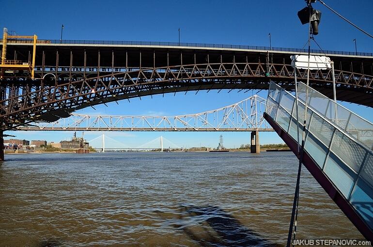 Eads Bridge (1874) in front, then Martin Luther King Bridge (1951) and Stan Musial Veterans Memorial Bridge (2013)
