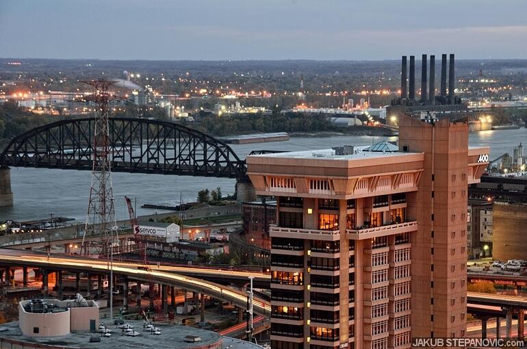 St Louis (2)